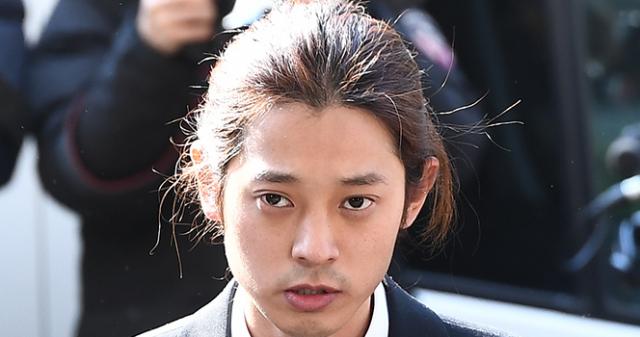 """'불법 동영상 유포' 정준영, 경찰 출석 """"조사 ..."""