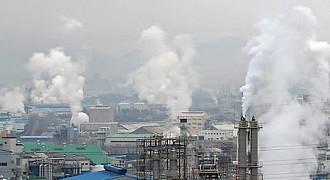 """작년 전세계 에너지분야 CO2, 20억t 줄어…""""역대 최대 규모 감소량"""""""
