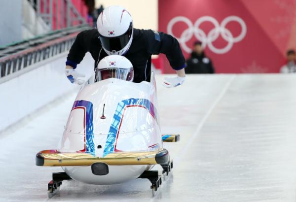 ▲남자 봅슬레이 2인승 원윤종-서영우가 17일 강원도 평창동계올림픽 슬라이딩센터에서 훈련에 매진하고 있다.(연합뉴스)