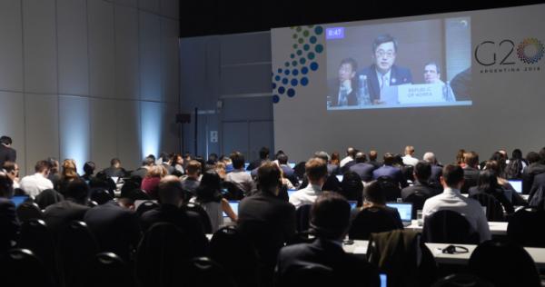 ▲김동연 경제부총리 겸 기획재정부 장관이 22일(현지시간) 아르헨티나 부에노스아이레스 컨벤션센터에서 열린 G20 재무장관·중앙은행총재 회의에 참석해 국제금융체제 세션에서 선도발언을 하고 있다.(제공=기획재정부)