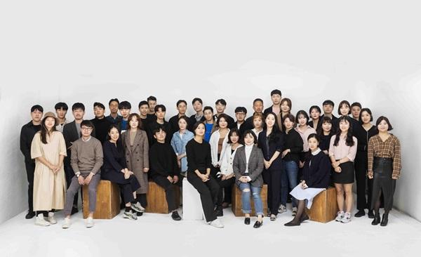 ▲'영 디자이너 프로모션'에 선발된 45인 단체 프로필(사진제공=디자인하우스)