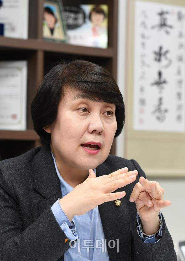 ▲정춘숙 더불어민주당 의원은 19일 서울 여의도 국회의원회관에서 이투데이와 인터뷰를 가졌다. 오승현 기자 story@
