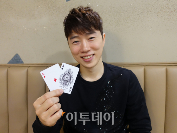 ▲e스포츠 불멸의 레전드, '테란의 황제' 임요환. 그는 이제는 포커 플레이어다. 또한 포커가 도박이라는 인식에 맞서는 국내 포커계의 선구자 중 한 명이기도 하다. (김정웅 기자 cogito@)