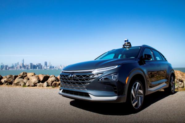 ▲현대·기아차는 사업 파트너사인 미국 자율주행업체 '오로라(Aurora Innovation)'에 전략 투자하고, 조기 자율주행 시스템 상용화를 위한 상호 협력을 더욱 강화하기로 했다. 사진은 오로라의 첨단 자율주행시스템인 '오로라 드라이버(Aurora Driver)'가 장착된 현대차의 수소 전기차 넥쏘. (사진제공=현대차)