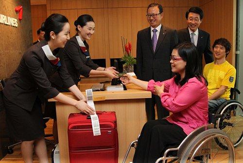 ▲아시아나항공은 인천국제공항에 휠체어를 이용하는 장애인이 탑승수속 및 휴식을 취할 수 있는 '한사랑 라운지'를 운영하고 있다. 사진제공 아시아나항공