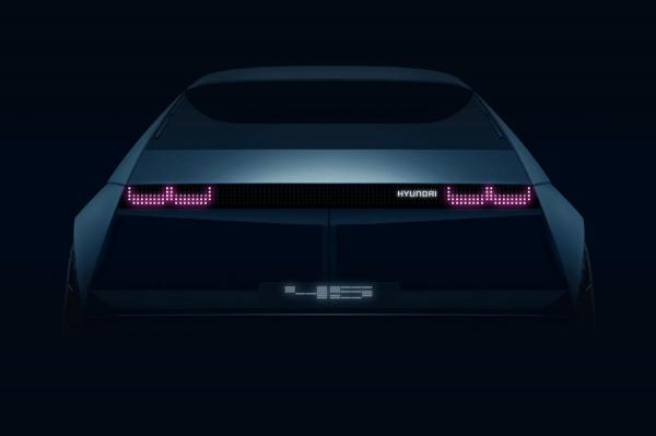 ▲현대차 최초의 고유모델 포니의 밑그림이었던 '포니 쿠페' 콘셉트를 바탕으로 새 모델은 아이오닉5가 올해 나온다.  (사진제공=현대차)
