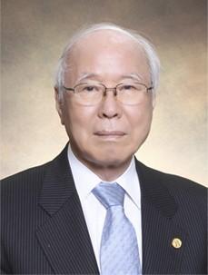 ▲서울대학교 약학대학 이상섭 명예교수(부채표 가송재단)