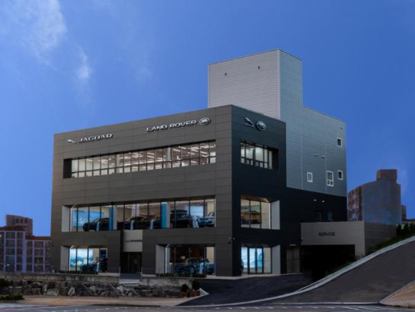 ▲재규어랜드로버코리아가 경기도 부천시에 재규어 랜드로버 전시장을 열었다. (사진제공=재규어랜드로버코리아)