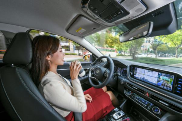 ▲현대기아차가 인공지능 기반의 자율주행 시스템을 세계 최초로 개발, 양산차에 적용한다. 새 기술은 운전자의 운전성향까지 파악해 이를 실제 자율주행 때 구현해 낸다.  (사진제공=현대기아차)