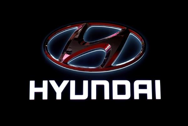 ▲지난 4월 중국 상하이에서 열린 자동차쇼에서 현대자동차 로고가 그러져 있는 모습. 상하이/로이터 연합뉴스.