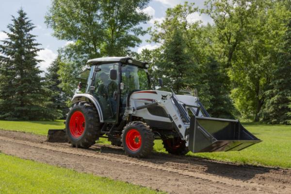▲두산밥캣이 최근 북미시장에 출시한 콤팩트 트랙터(Compact Tractor), CT5558 모델 (사진제공=두산밥캣)