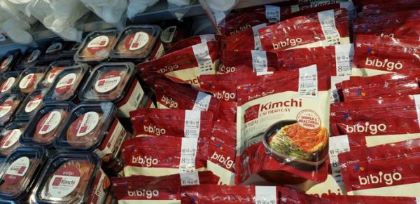 ▲베트남 마트에서 판매되고 있는 한국 김치. (사진=이해곤 기자)