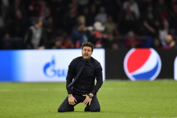 ▲포체티노 감독이 지난해 챔피언스리그 4강 경기에서 승리를 거두고 감격하고 있다.  (AP/뉴시스)