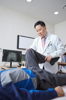 ▲사진=최유왕 강북연세병원 병원장