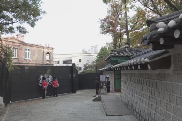 ▲영국대사관과 덕수궁 개방로.