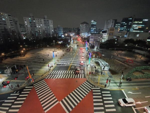 ▲서울 성동구 왕십리역 광장 전경. (사진 제공=성동구)