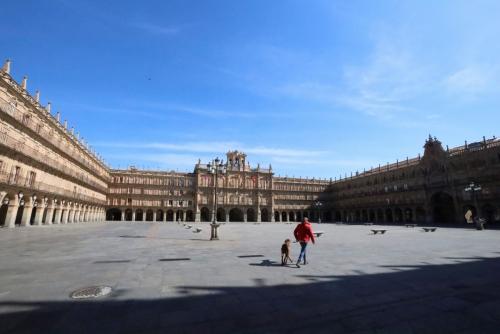 ▲텅 비어있는 스페인 살라망카 마요르 광장.  (사진 제공=살라망카/EPA연합뉴스 )