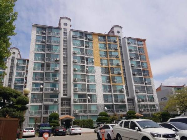 ▲경기 시흥시 정왕동 대림아파트 7217동 모습. (사진 제공=지지옥션)