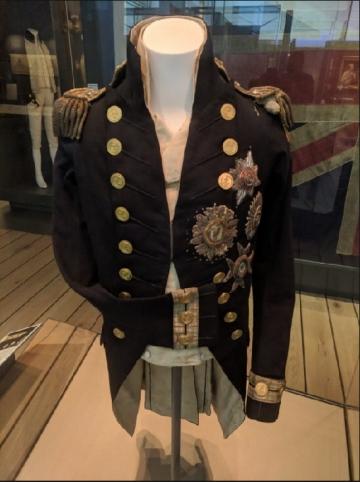 ▲넬슨 제독이 트라팔가 해전 당시 입었던 제복. 영국 런던의 그리니치 소재 해양박물관에 전시되어 있다.