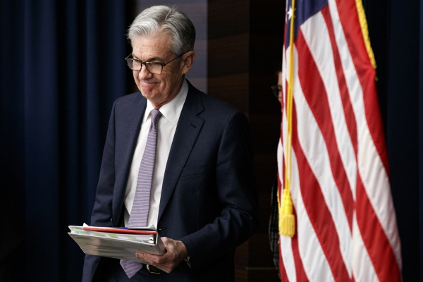 ▲제롬 파월 미국 연방준비제도(Fed·연준) 의장이 지난해 12월 11일(현지시간) 연방공개시장위원회(FOMC)를 마치고 기자회견장으로 들어서고 있다. 워싱턴D.C./AP뉴시스