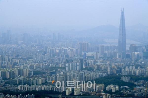 ▲서울 강남 일대 아파트 밀집 지역 전경. 신태현 기자 holjjak@ (이투데이DB)
