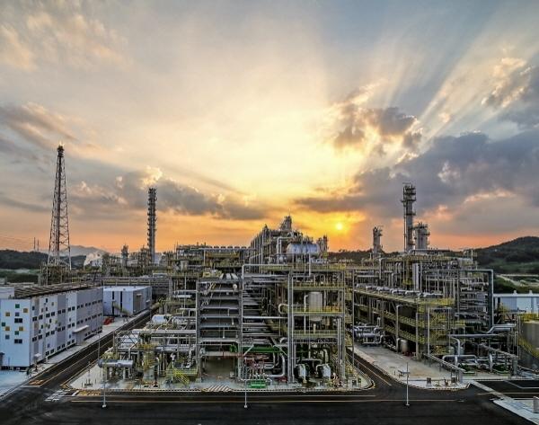 ▲에쓰오일(S-OIL)의 복합석유화학 시설(RUC/ODC)인 올레핀 하류시설 (사진제공=에쓰오일)