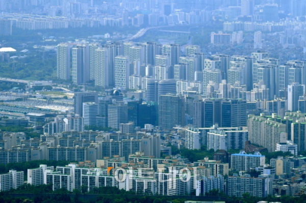 ▲서울 강남 일대 아파트 단지 밀집 지역. 신태현 기자 holjjak@ (이투데이DB)