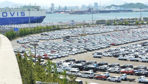 ▲울산 북구 현대자동차 울산공장 야적장에 차량들이 출고를 기다리고 있다.  (뉴시스)