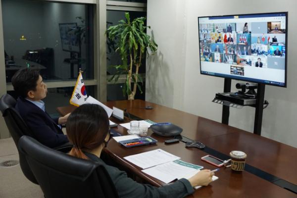 ▲과학기술정보통신부 장석영 제2차관이 22 저녁 서울 중앙우체국에서 화상으로 개최된G20 디지털경제장관회의에 참석하고 있다. (과기정통부 제공)