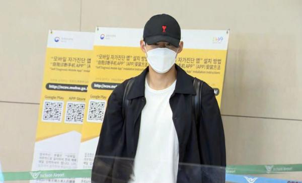 ▲손흥민이 28일 인천국제공항을 통해 귀국하고 있다. (연합뉴스)