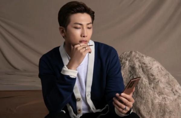 ▲'갤럭시 노트20'을 소개하는 영상에서 등장한 방탄소년단 리더 RM (출처=갤럭시 언팩 생중계 캡처)