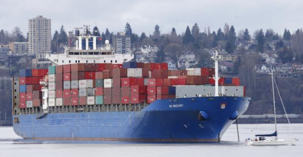 ▲미국 워싱턴주 타코마항에 한 화물선이 정박해 있다. 타코마/AP뉴시스
