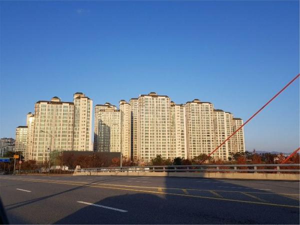 ▲경기 파주시 와동동 1404 해솔마을7단지 롯데캐슬아파트. (사진 제공=지지옥션)