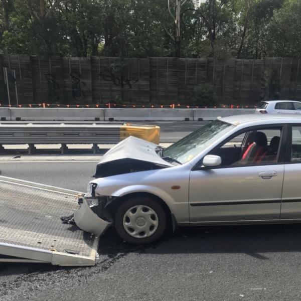▲해영 작가가 호주에서 자동차 사고를 겪었을 때 사진. 자세한 사고 이야기는 '인생사진없는 인생여행기'속에서 만날 수 있다.  (사진제공=해영)