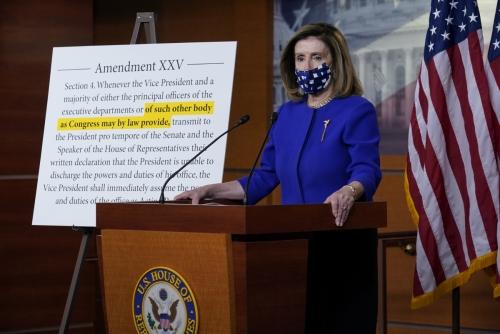 ▲낸시 펠로시 미국 연방 하원의장이 9일(현지시간) 미국 의회에서 열린 기자회견에서 말하고 있다. 워싱턴D.C./AP연합뉴스