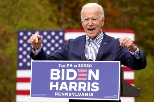 ▲조 바이든 미국 민주당 대선후보가 24일(현지시간) 펜실베이니아주 벅스 카운티에서 유세를 하고 있다. 펜실베이니아/로이터연합뉴스