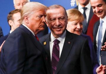 ▲도널드 트럼프 미국 대통령과 레제프 타이이프 에르도안 터키 대통령이 2019년 12월 4일(현지시간) 영국 왓퍼드에 있는 한 호텔에서 열리는 연례 행사에 참석하고 있다. 왓퍼드/로이터연합뉴스