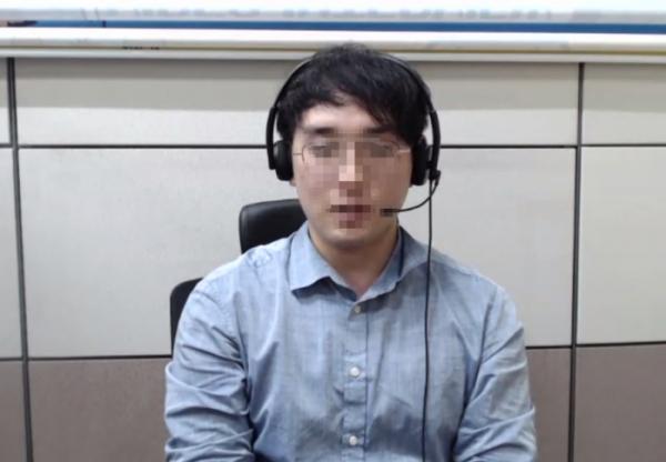 ▲13일 광명시청의 'AI면접체험관'에서 기자가 AI면접을 직접 체험하고 있다. (윤상호 인턴기자 shark9694@)