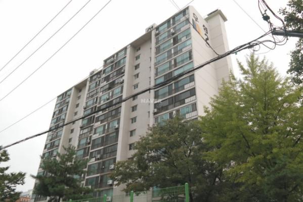 ▲서울 구로구 구로동 구로 우성아파트가 재건축 예비안전진단을 통과했다. 구로우성아파트 전경. (사진=네이버지도)