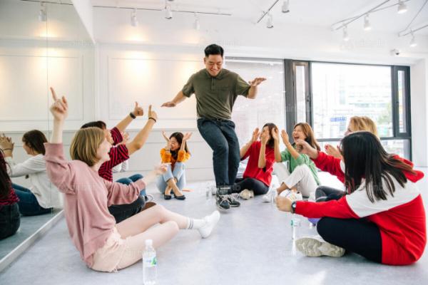 ▲서울에서 열리는 K팝 댄스 체험의 모습. (사진제공=에어비앤비)