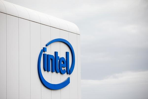 ▲이스라엘 텔아비브에 위치한 인텔 사옥. 인텔은 이날 메모리 칩 부문을 SK하이닉스에 양도하기로 결정했다. 텔아비브/로이터연합