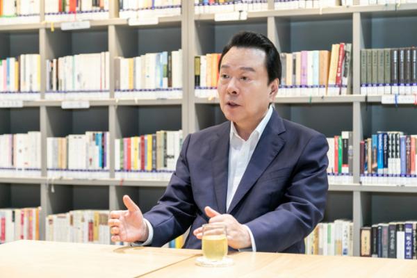 ▲노현송 강서구청장이 27일 이투데이를 만나 인터뷰를 하고 있다. (사진제공=강서구)