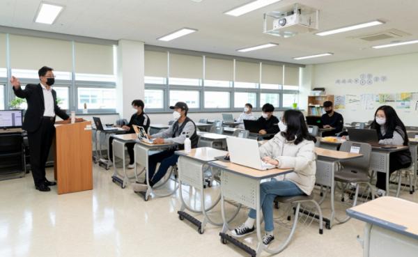 ▲한국농수산대학은 26일부터 3학년을 대상으로 제한적인 대면 수업을 진행하고 있다. (사진제공=한국농수산대학)