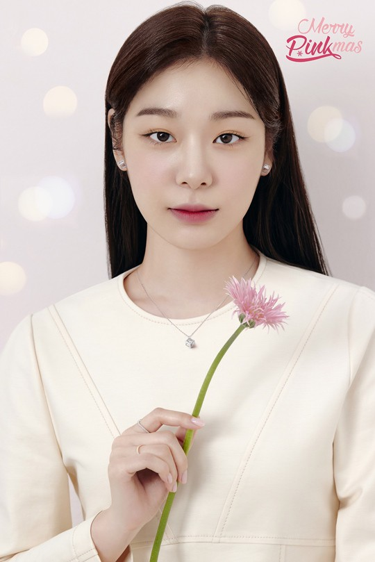 김연아 화보, 30세 나이에도 여전한 피겨퀸 자태 '…'독보적 우아美'