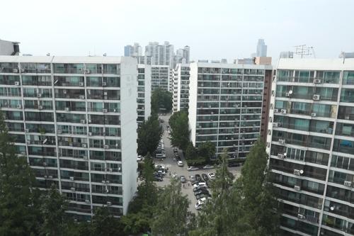 ▲서울 강남구 대치동 은마아파트 전경. 이 아파트는 자녀 교육을 위해 전세를 사는 학부모들이 많은 것으로 유명하다.