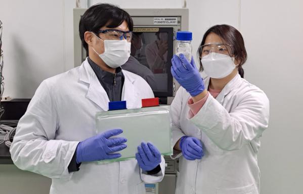 ▲대전에 위치한 SK이노베이션 기술혁신연구원에서 연구원이 차세대 배터리 기술을 연구하고 있다. (사진제공=SK이노베이션)