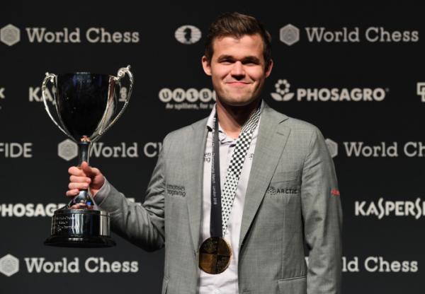 ▲2018년 11월 28일 영국 런던에서 열린 '월드 체스 챔피언십 2018'에서 노르웨이 출신 마그누스 칼센이 승리를 거뒀다.  (연합뉴스)