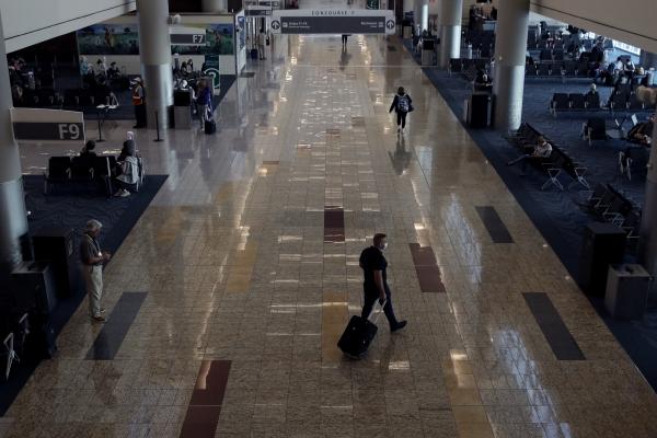 ▲6월 1일(현지시간) 하츠필드잭슨 애틀랜타 국제공항에 여행객들이 보이지 않고 있다. 애틀랜타/AP뉴시스