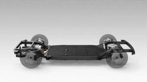 ▲이른바 스케이트보드 플랫폼을 바탕으로 다양한 차를 위에 얹을 수 있다. 앞뒤 바퀴에 달린 모터 구동축 역시 바퀴마다 작은 모터를 장착하는, 이른바 '인-휠 모터' 방식을 쓰면 부피는 더 줄어든다.  (사진제공=현대차그룹)