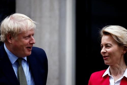 ▲보리스 존슨 영국 총리와 유럽연합(EU) 행정부 수반 격인 우르줄라 폰데어라이엔 집행위원장이 5일(현지시간) 전화통화를 갖고 무역협정을 포함한 미래 관계 협상을 진행하기로 합의했다. 로이터연합뉴스